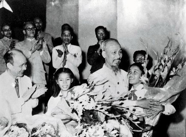Vận dụng quan điểm của Chủ tịch Hồ Chí Minh về công tác kiểm soát quyền lực cán bộ
